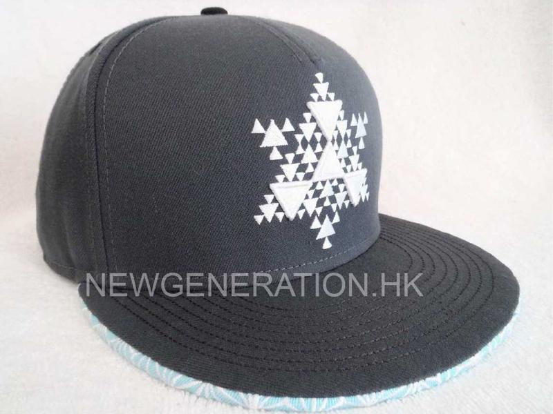 Acrylic 6 panel Snapback Cap With 3D Embroidery Front Logo