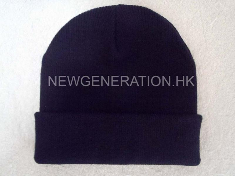 Acrylic Beanie With Leather Patch4
