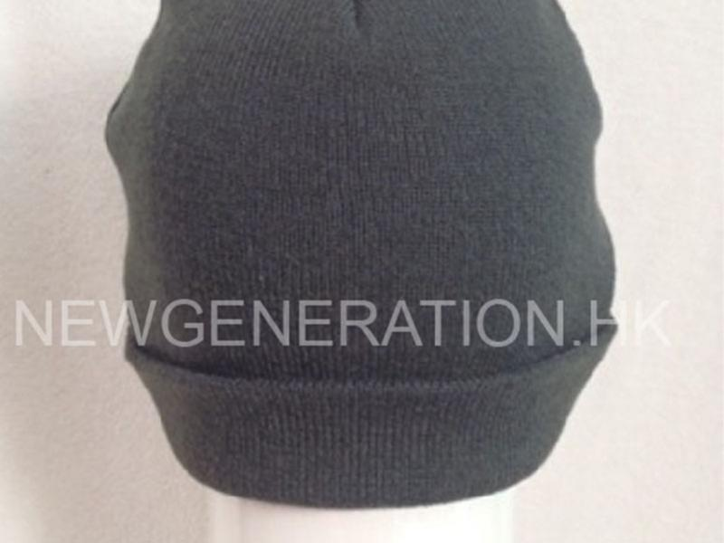 Acrylic Beanie With Woven Label3
