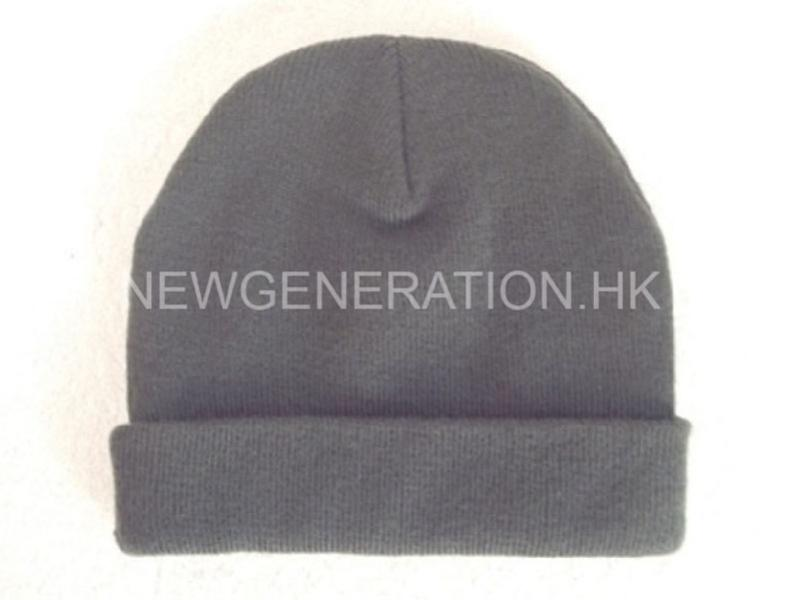 Acrylic Beanie With Woven Label5